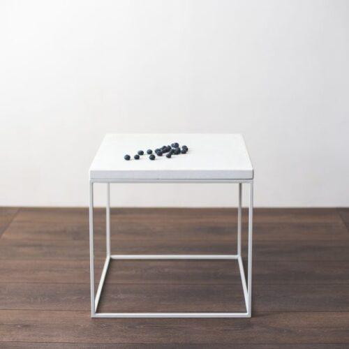 Baltas staliukas W-white | IDDO
