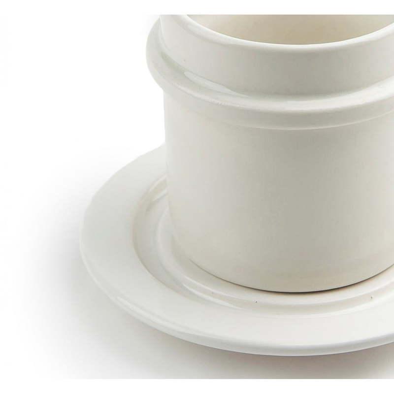 Baltas puodelis su lėkštute | NAMUOS